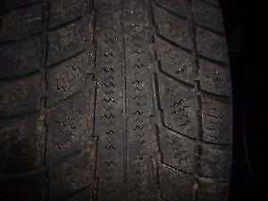 4 pneus d'hiver 185/65/15 Triangle Snow Lion