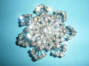 Brooch Diamond look