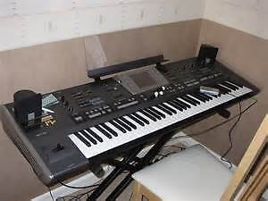 Looking for a Roland G70