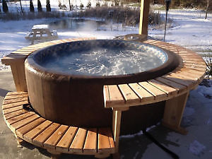 SOFTUB HOT TUB  X MAS SPECIAL  SAVE UP TO $500 on P-300