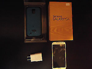 SAMSUNG S4 16 GB WHITE IFROGZ CASE BROKEN SCREEN