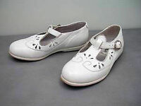 child's White Leather made in Portugal shoes :like NEW: Sz 10/30