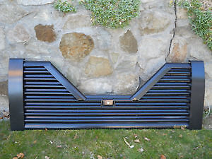 2005 Dodge Fifth Wheel Air Flow Tailgate Like New