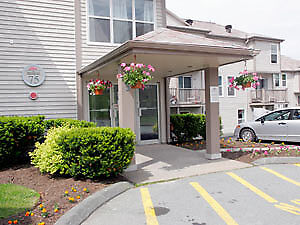 Beautiful 2 Bdrm, 2 level apt for rent Aug or Sept.