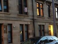 Traditional 1 bedroom 1st floor flat in Bankhall Street Govanhill - Available now