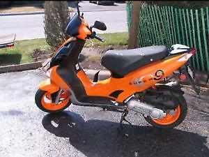 Magnifique scooter en parfaite condition seulement 900$ !!