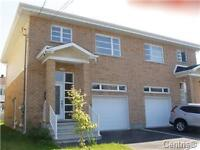 Beautiful semi detached cottage for sale in Brossard