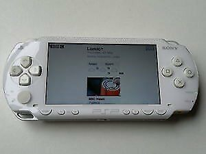 WHITE SONY PSP CONSOLE COMPLETE