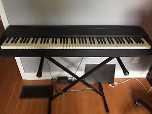 Yamaha P70 Keyboard with Bench, Pedal and Stand