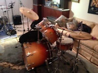 LUDWIG DRUMS FULL SET   ,MUST  SELL, NEED THE SPACE