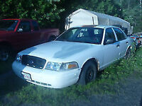 2003 Ford Crown Victoria Sedan CALL FOR DETAILS!!!