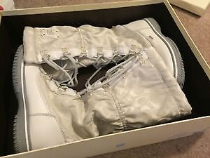 Coach white 'Starling' signature winter boots. Brand new. 5.5