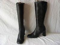 Dolis ladies knee length boots.
