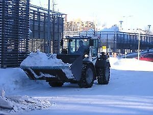 Snow Removal .. Commerical  . Sanding ,,, Hauling ....