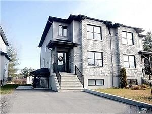 NEW CONDO, 2 MINUTES FROM THE 50, 10 MINUTES FROM OTTAWA