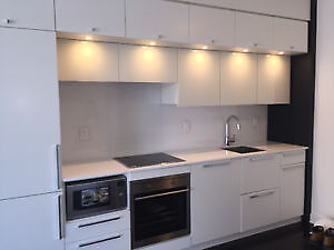 FURNISHED Brand NEW 1 BR w/Den in Downtown TO @Bay/College