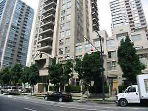$2000 / 1BDRM - 615sqft. - 21ST FLOOR CORNER UNIT WITH BALCONY