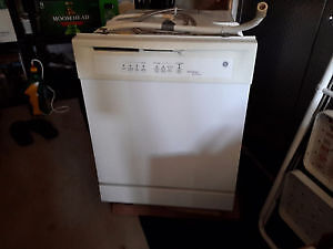 GE Dishwasher - For Sale - Works Great