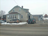 3 BEDROOM HOME WITH WAREHOUSE/GARAGE:COMMERCIAL ZONED