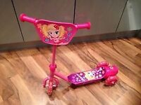 SMYTHS PINK SCOOTER WITH HELMET