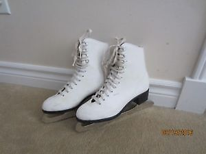 Skates size 5, and 6 for women