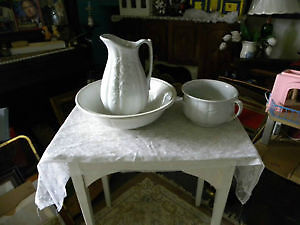NEWFOUNDLAND ANTIQUE  basin & jug pitcher