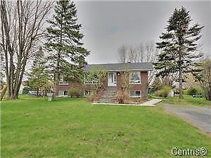 Grande maison à louer à Beloeil $ 1600/mois, 6 chambres