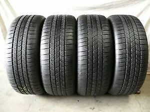 Set of 4 265/40/22 Pirelli scorpion 70% tread