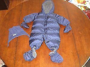 Gap snowsuit 12-18 months