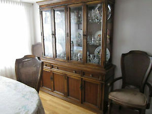 China Cabinet great condition