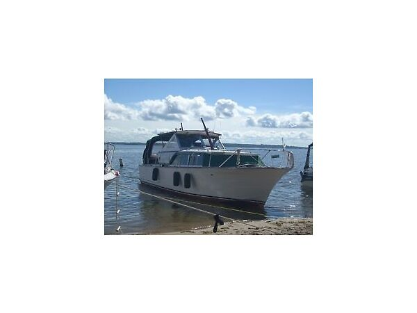 Used 1967 Chris-Craft Cavalier, 30 pieds, 2 X 283 moteur à gas, 1