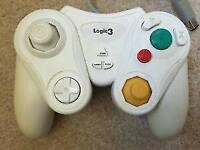 Nintendo wii and gamecube controller/ all clean and working