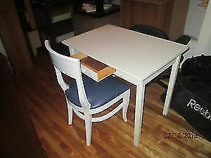 Lots of kitchen table ( no chair )