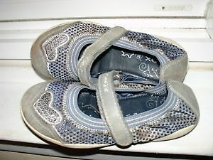 Geox, Size 11 (EU 28) girl's shoes with velcro strap