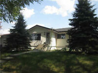 Forest Heights!- $1700/3br- 75thSt &99th Av- Amazing Location!