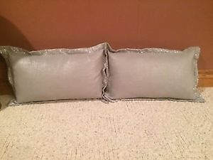 Decorative Pillows x4 Kitchener / Waterloo Kitchener Area image 2