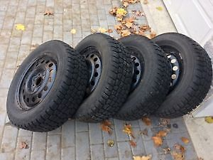 4 winter tires on rims - Hercules Avalanche Xtreme 205 60R15 Peterborough Peterborough Area image 3