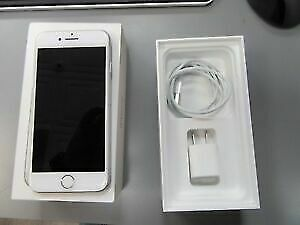 APPLE IPHONE 7 32GB SILVER  UNLOCK MINT CONDITION