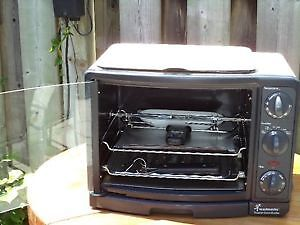 Toastmaster - Toaster Oven Broiler with Rotisserie