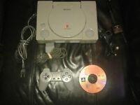 Playstation 1 avec 1 manette et le jeu dukes of hazard