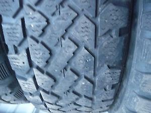 4 pneus d'hiver 185/60/15 Snowtrakker Pacemark