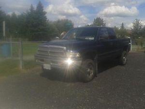 2001 Dodge Power Ram 1500 XLT Pickup Truck