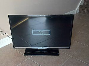 28 INCH RCA LED HD TV