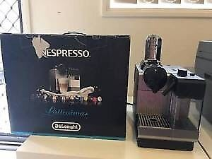 DeLonghi Coffee Machine type EN520S seldom used ,nearly new Coopers Plains Brisbane South West Preview