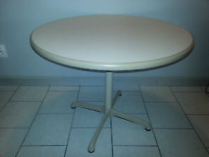 """36"""" Round Table / Table ronde"""