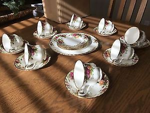 Royal Albert old country Rose tea set 8 cups and saucers