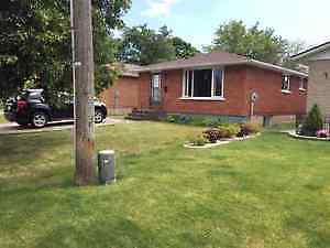 BROCK EXCEPTIONAL RENTAL HOME- ALL INCLUSIVE