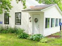 Country Home (Hemmingford) on Sizable Lot - Motivated Seller!