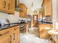 Carpenter - Kitchen & Bathroom Fittings - Bespoke Joinery - Tiling