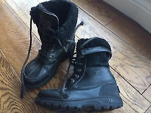 UGG, UGGS Adirondack Butte Kids size 13 winter Boots